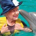 cover-los-beneficios-de-la-reina-de-inglaterra-es-duena-de-todos-los-delfines-de-ru-520x272